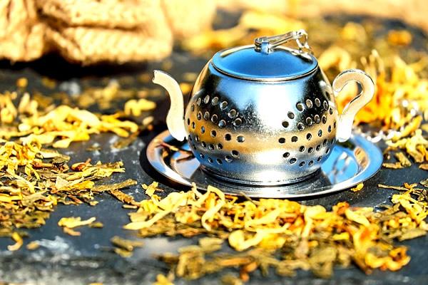 甘い香りで癒す南アフリカのハニーブッシュティー