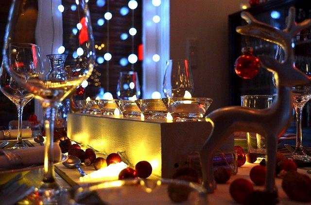 フランス料理「テリーヌ」を並べる芸術的食卓